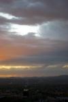 un rayon de soleil sur les nuages
